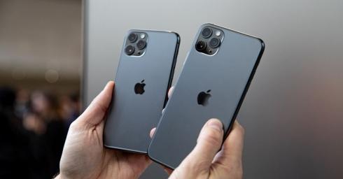 (2021) So sánh iPhone 11 Pro và iPhone 11 Pro Max: Sự khác biệt đến từ pin, kích thước và còn gì nữa?