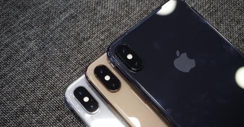 Nên chọn Vàng Gold, Xám hay Trắng khi mua iPhone XS