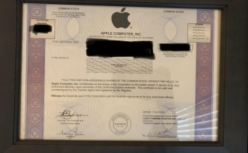 Fan Apple làm giàu không khó: 15 năm trước mua cổ phiếu 20.000 đồng, tới nay đổi được 2 chiếc iPhone XS!