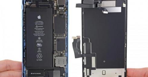 Mổ bụng iPhone XR: Pin 2,942 mAh, màn hình LCD dày hơn, đạt 6/10 độ dễ sửa chữa